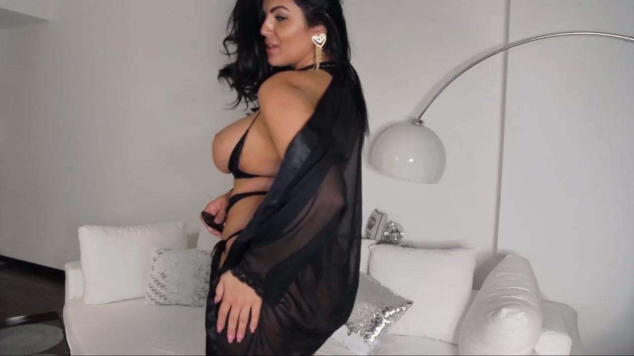 Milf Big Tits Solo Webcam