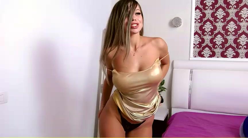 Prettyelly Big Boobs Blonde Handbra Tits Flash